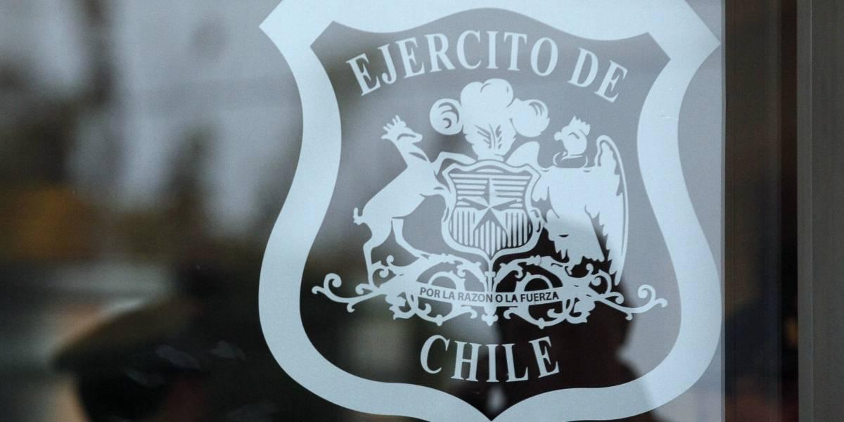 Nuevos antecedentes en el escandalo de corrupcion del ejercito: DINE habría intervenido teléfonos de 4 militares que denunciaron corrupción
