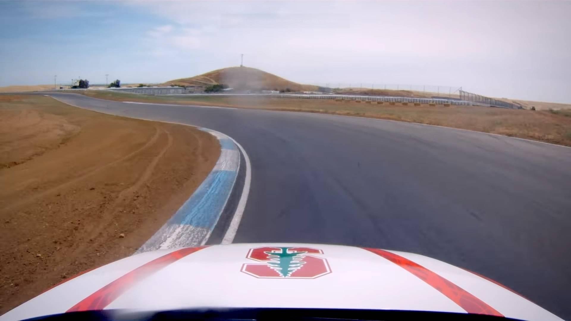 Desarrollan un carro autónomo capaz de tomar curvas a altas velocidades