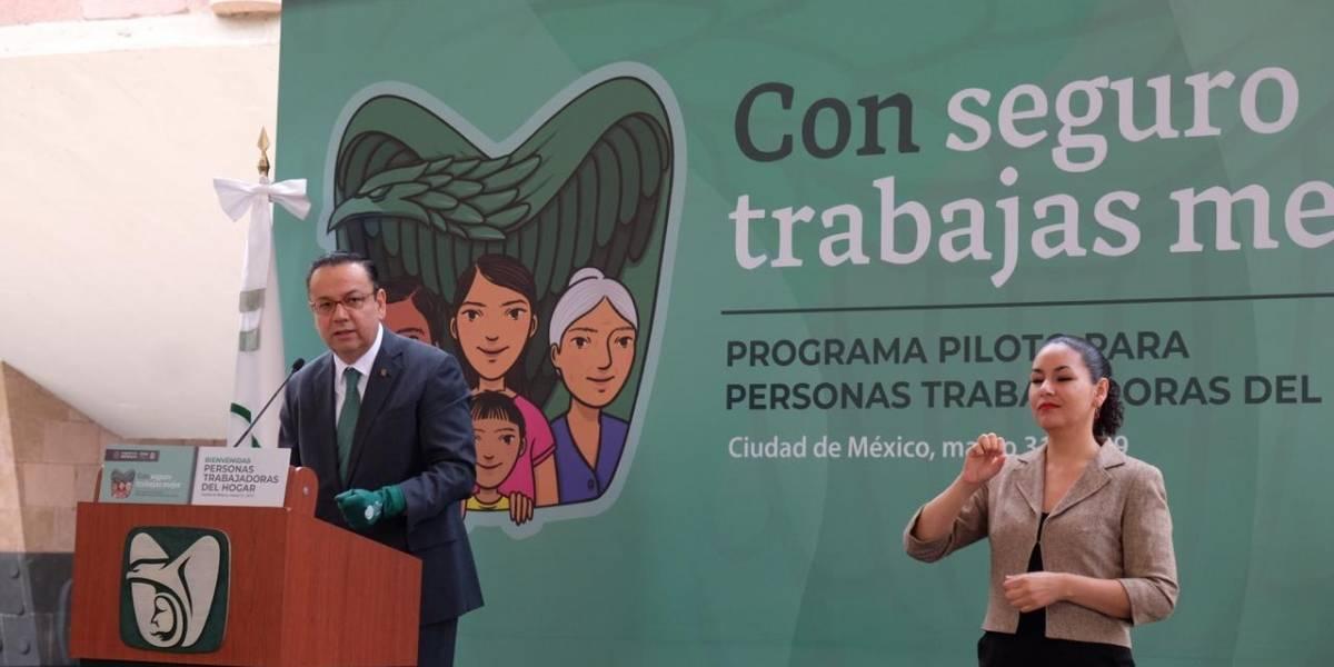 El IMSS lanza programa piloto para asegurar a trabajadoras del hogar