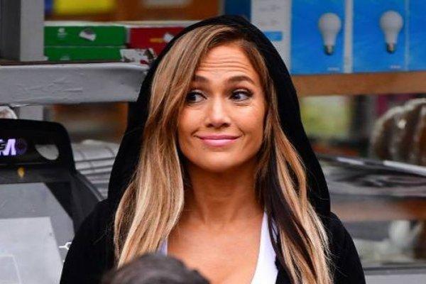 Jennifer Lopez: Foto reveló que se mantiene depilada