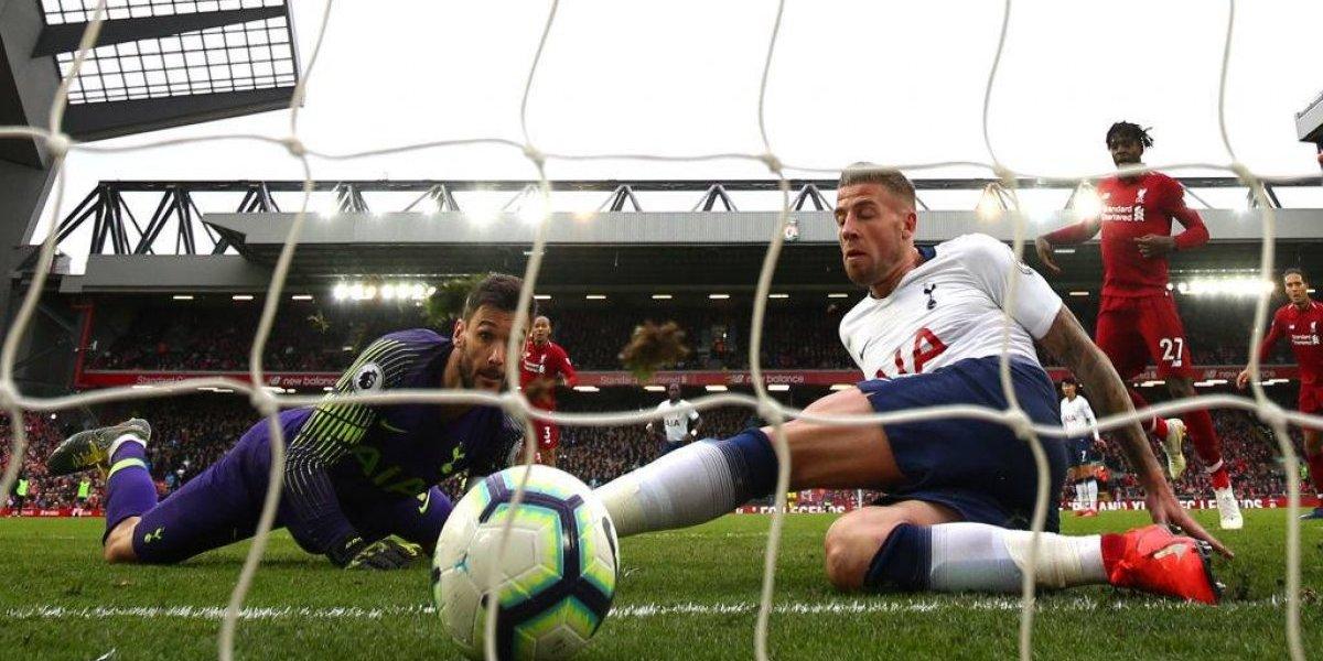 Tottenham regala triunfo al Liverpool en el último minuto