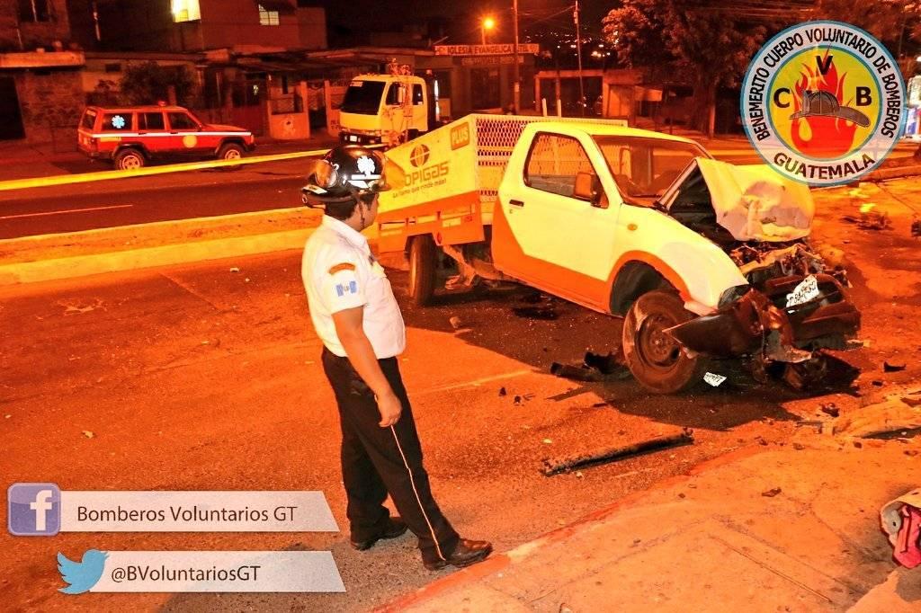 Un muerto y dos heridos por accidente de tránsito en zona 18
