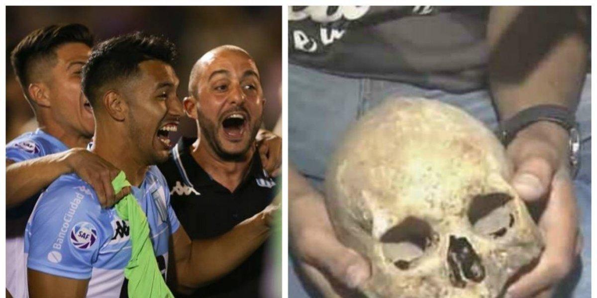 VIDEO. Hincha de Racing celebra el título con el cráneo de su abuelo
