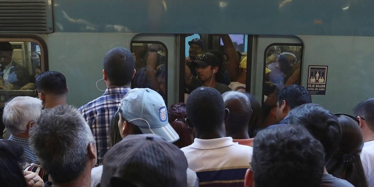 """Servicio restablecido: Línea 4 del Metro de Santiago presentó problemas por """"persona en la vía"""""""