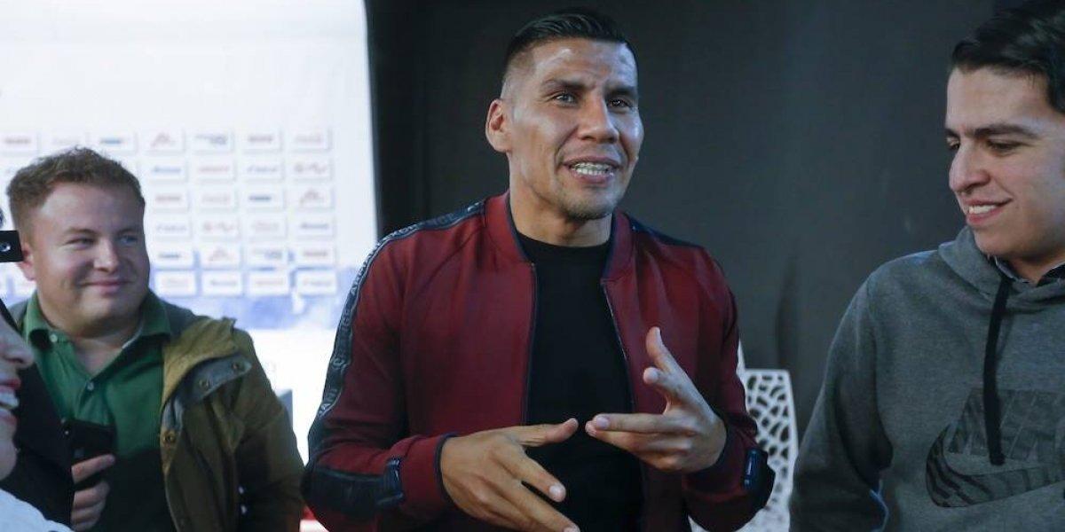Carlos Salcido trollea a aficionado que lo confundió con Salcedo