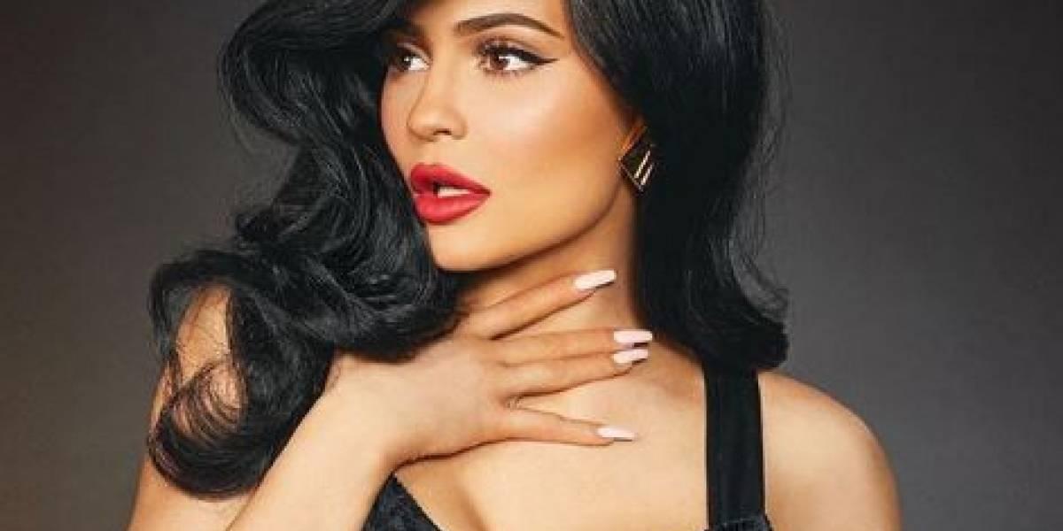 Kylie Jenner deja en evidencia el retoque de sus fotos con un error de Photoshop