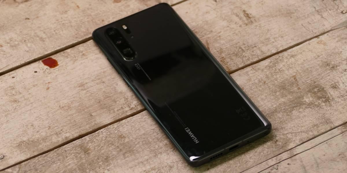 """Polémica tras el """"Modo Luna"""" del Huawei P30 Pro, investigador dice que las fotos serían """"falsas"""""""