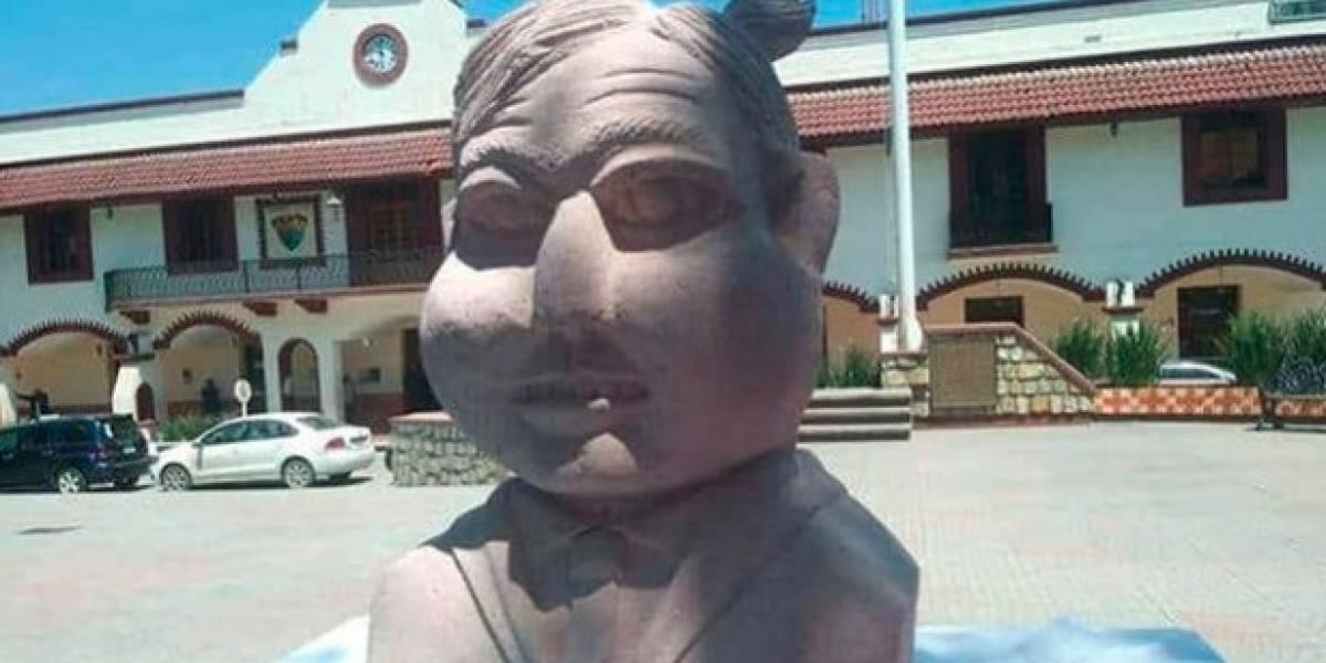 Escultor de busto de Benito Juárez regresa, ahora con uno de ¿AMLO?