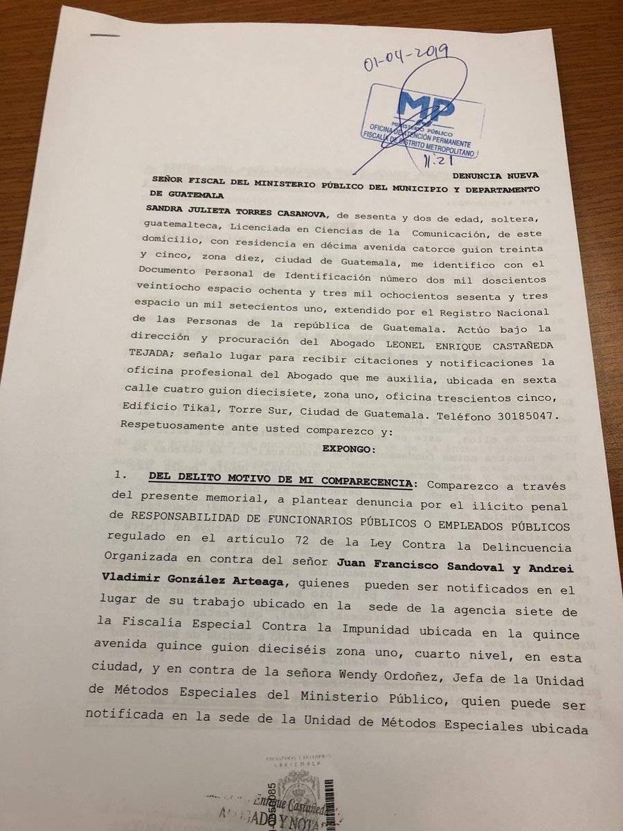 Diputados de la UNE presentan denuncia contra el jefe de la FECI