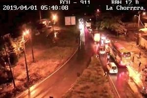 Un fallecido y 23 heridos en dos accidentes con buses en Ecuador
