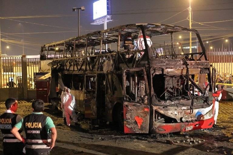 Incendio en bus en Perú