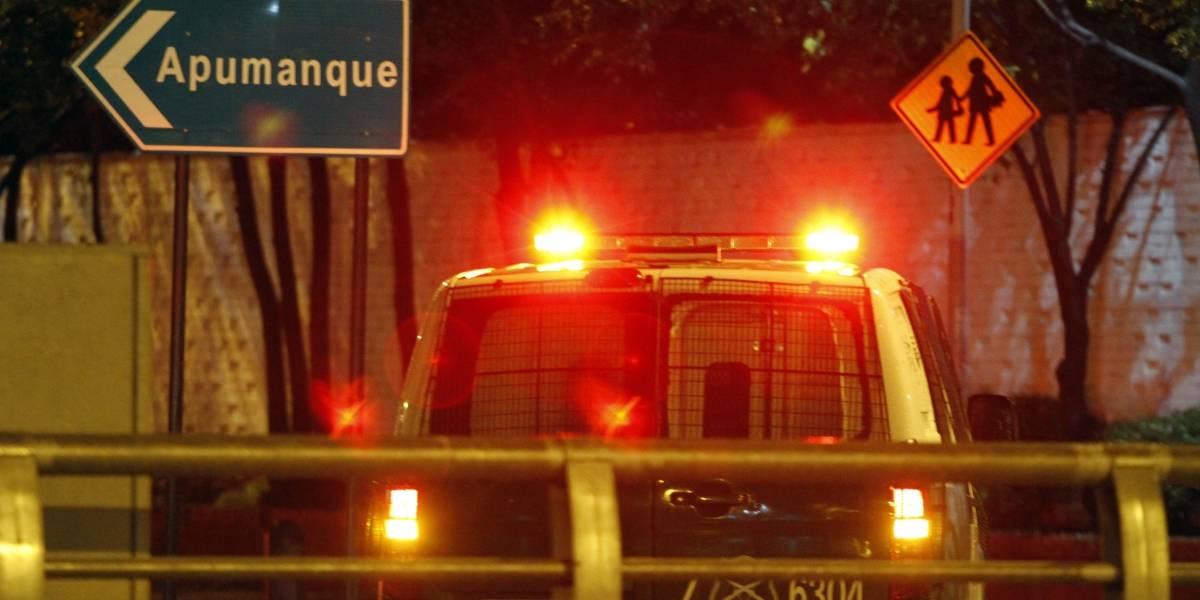 Asaltantes maniataron a toda una familia en su casa de Las Condes