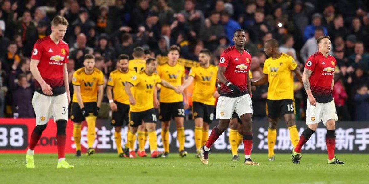 Manchester United vuelve a tropezar con Wolverhampton y se aleja de la próxima Champions