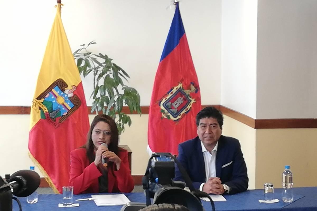 Paola Pabón y Jorge Yunda en su primera reunión protocolar Metro Ecuador