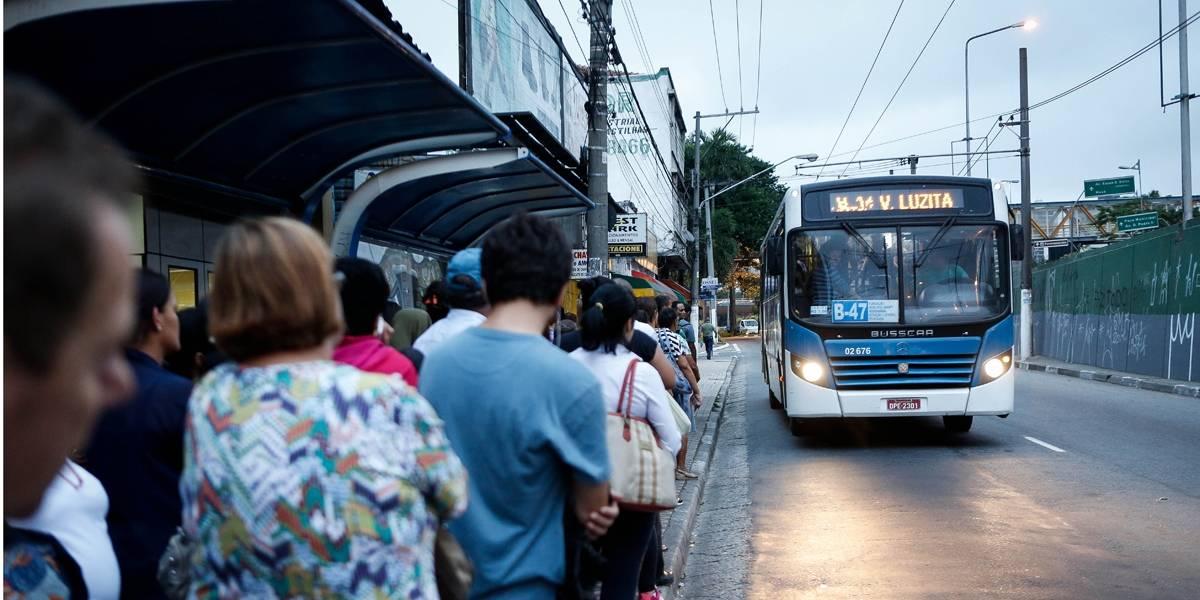Acidente de ônibus mata 2 em Santo André