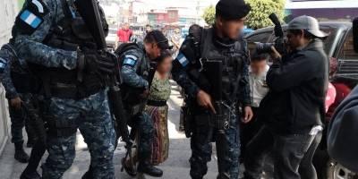 allanamiento contra el lavado de dinero en zona 1 capitalina y 4 de Mixco