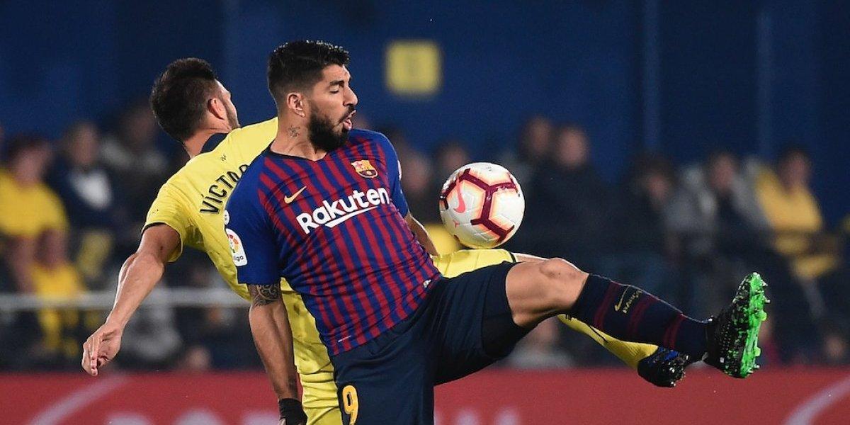 Messi y Suárez rescatan al Barcelona, de un aguerrido Villarreal