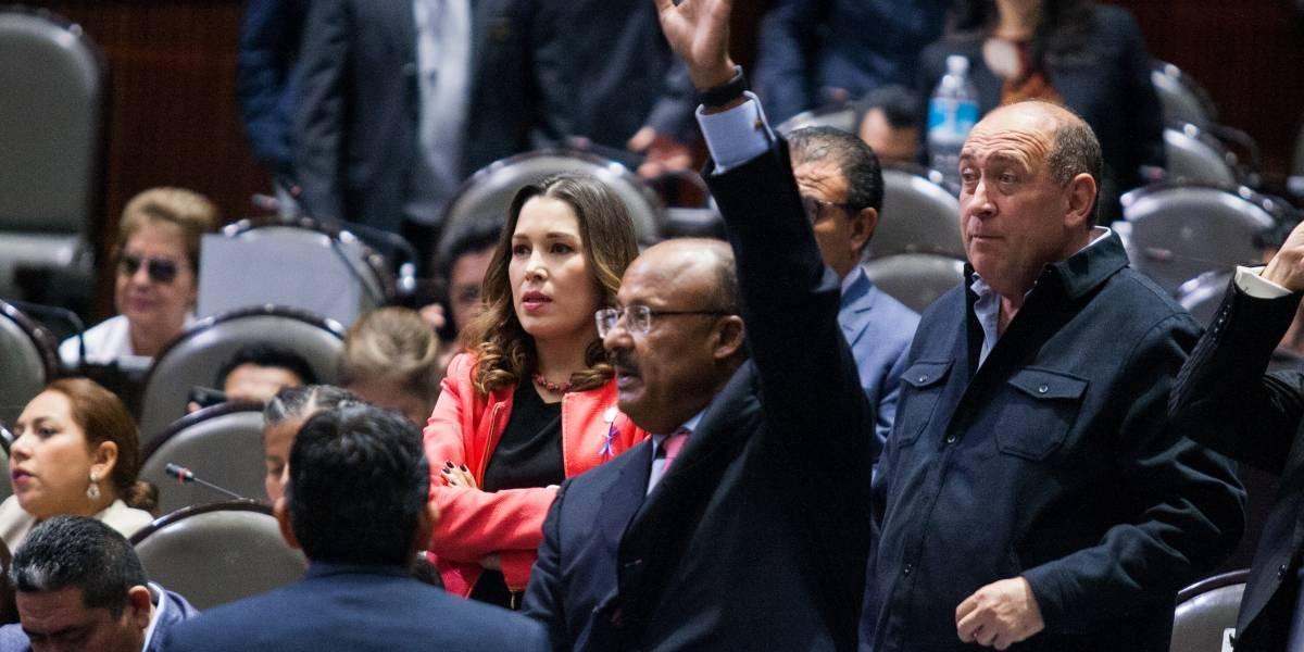 Senado avala elegibilidad de ternas de AMLO para la CRE