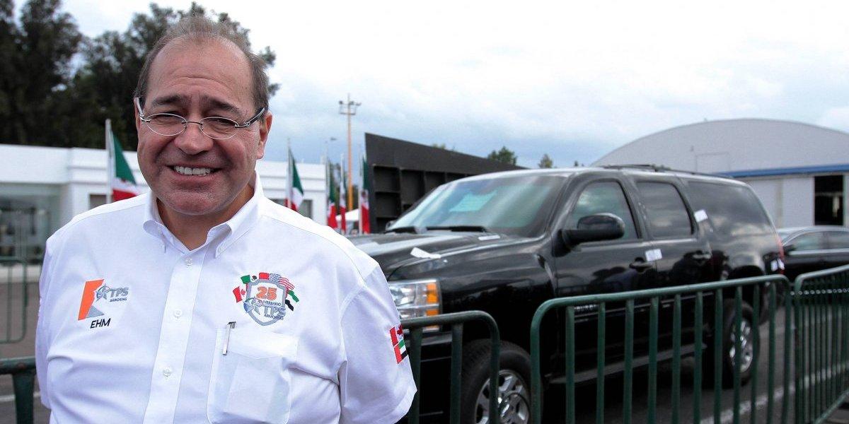 Gobierno federal entrega 'La Bestia' que usó EPN a comprador