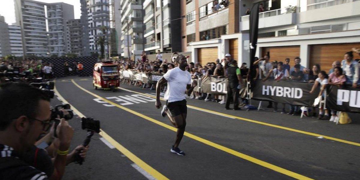 Usain Bolt le gana una carrera a un mototaxi