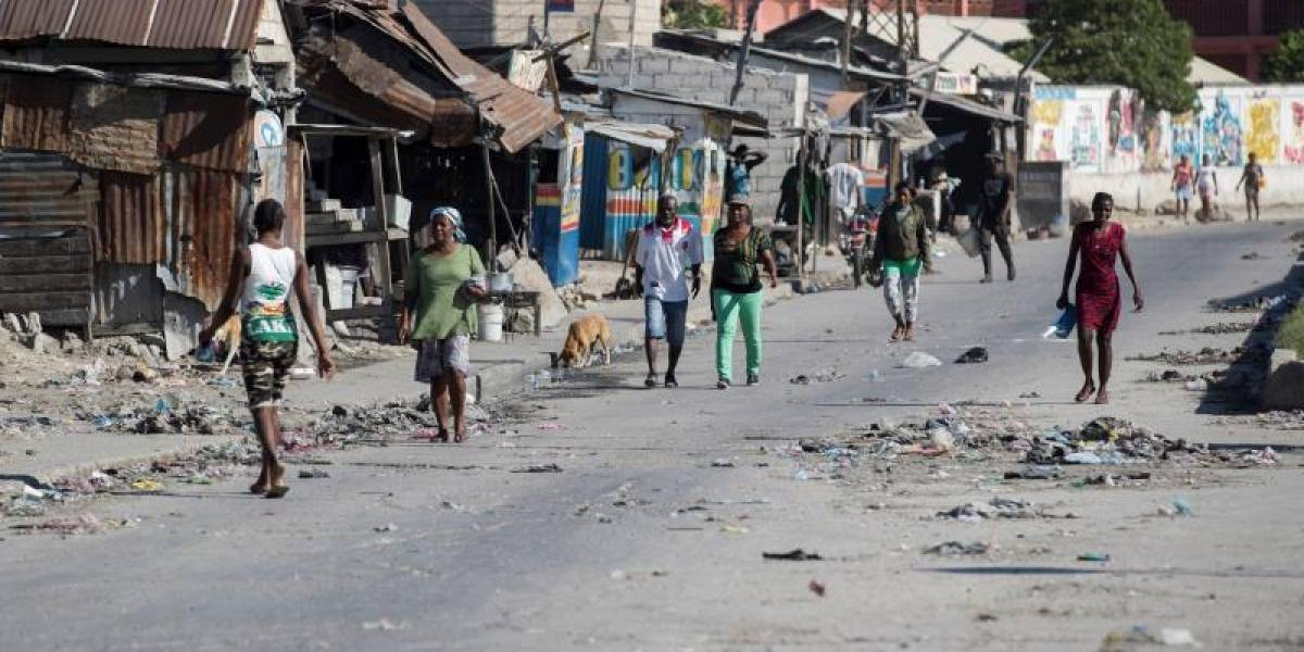 Escasez de gasolina vuelve a afectar a Haití en plena crisis económica