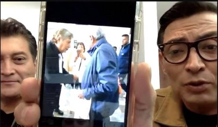 Joaquín Muñoz entrega carta a AMLO