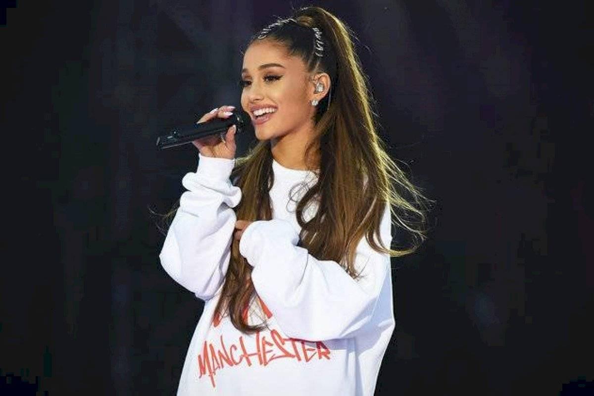 Filtran imágenes que revelarían embarazo de Ariana Grande