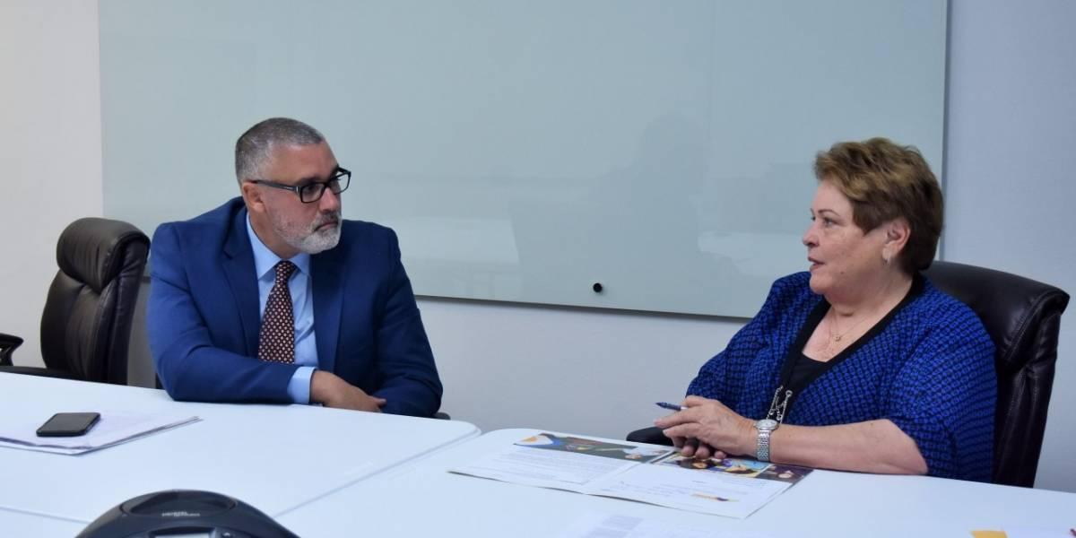 Secretario interino de Educación se reúne con presidenta de Asociación de Maestros