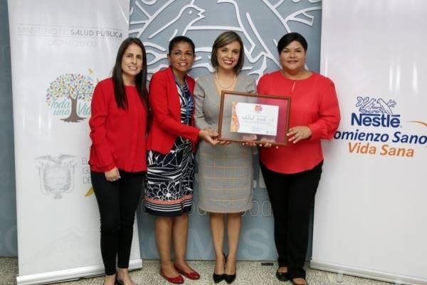 Nestlé recibe certificación por apoyo a lactancia materna