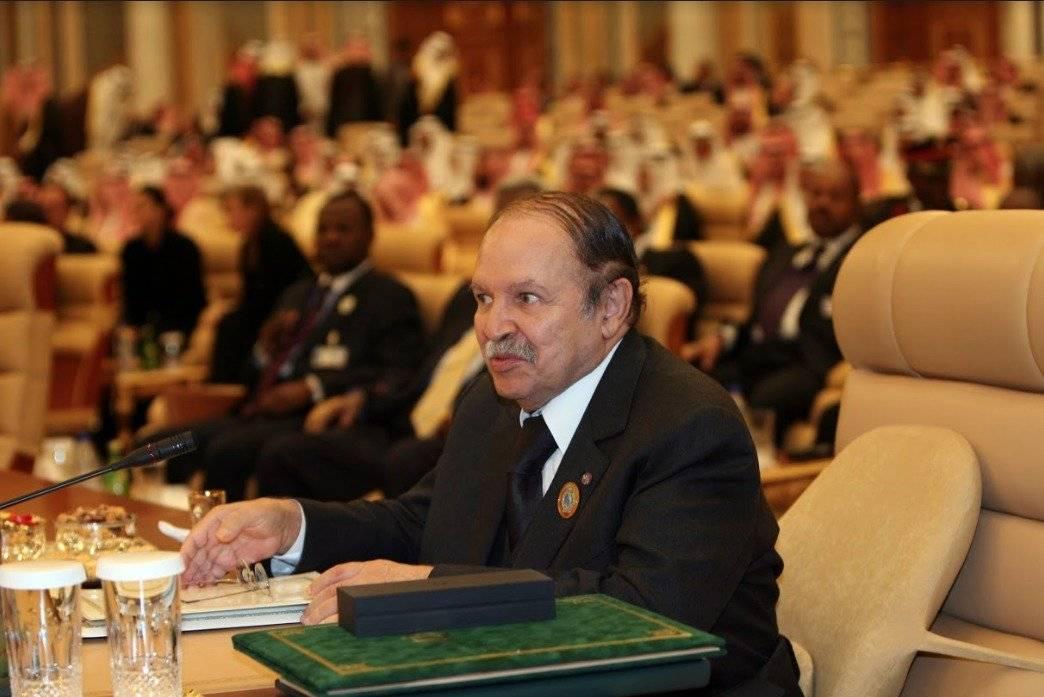 Abdelaziz Bouteflika decidió no buscar un quinto mandato