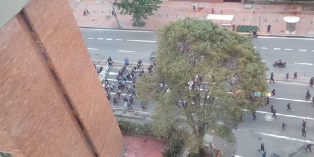Marcha de estudiantes del Sena bloquea la carrera Séptima