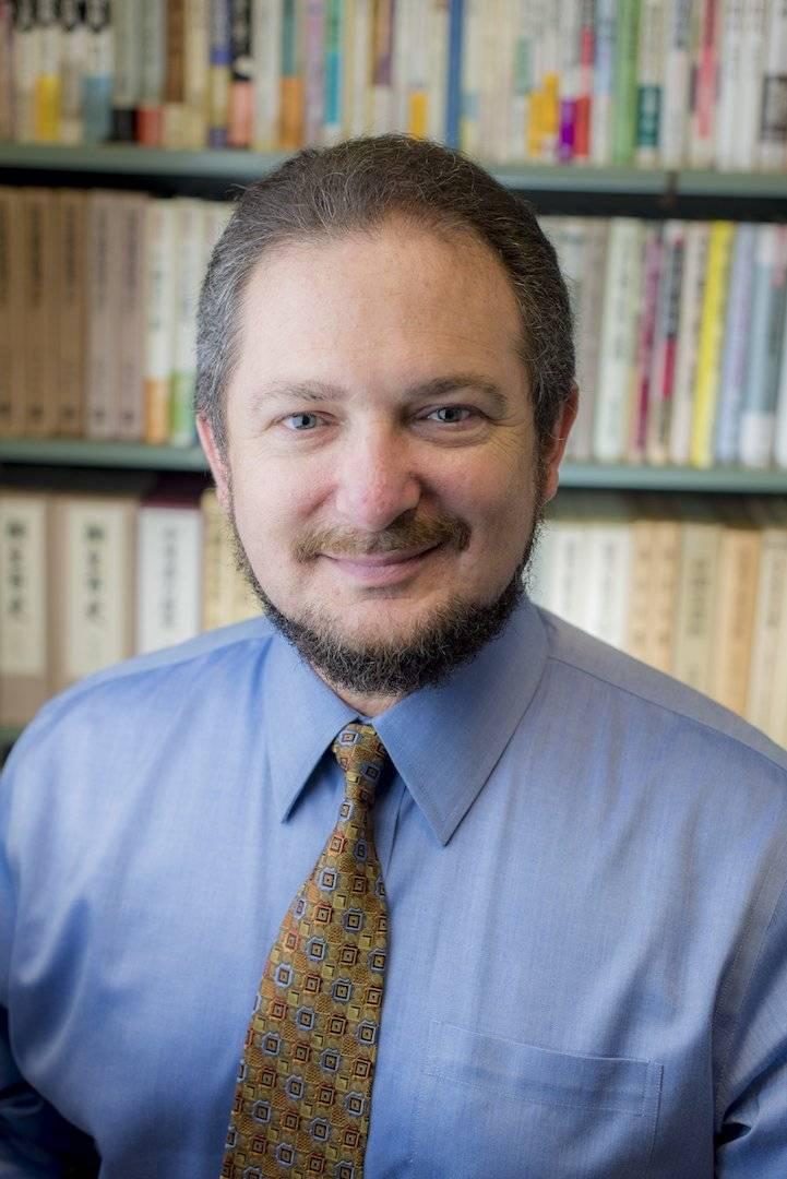 Ethan I. Segal, profesor asociado de historia en la Universidad Estatal de Michigan, EU