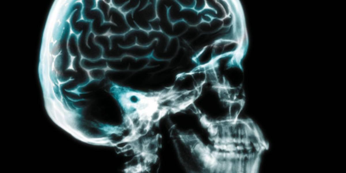 """No podía caminar en forma recta y se """"tambaleaba como borracha"""": niña de 15 años descubre que su cerebro se estaba saliendo de su cráneo"""