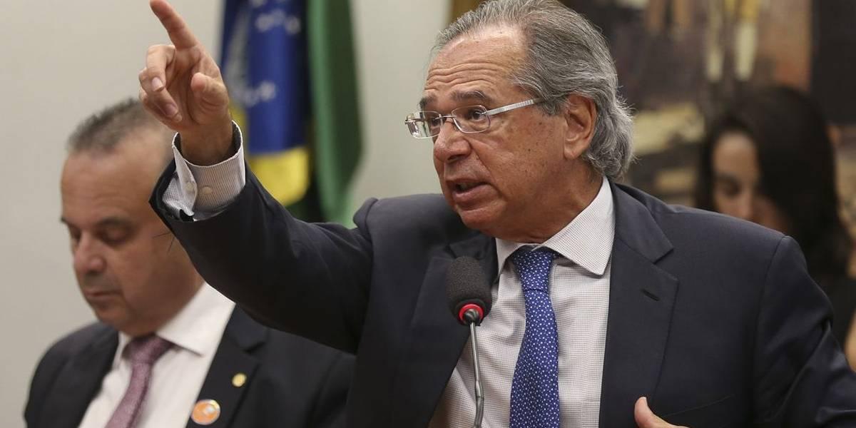 Guedes: governo pode rever deduções e reduzir alíquotas do IR