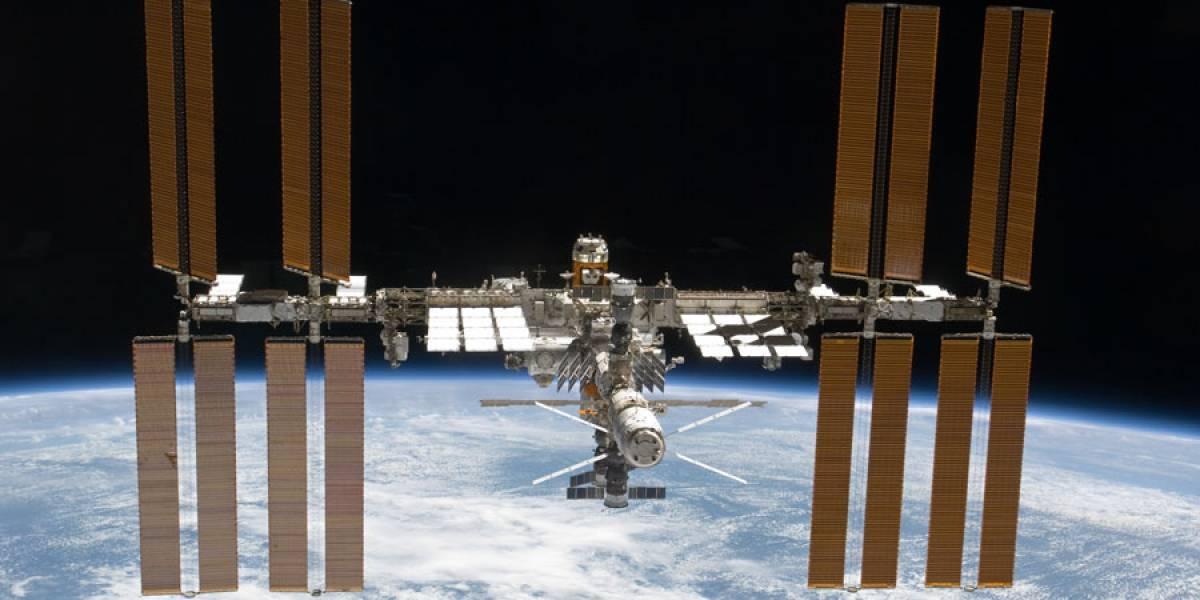 NASA divulga fotografia espetacular da Estação Espacial em frente à Lua