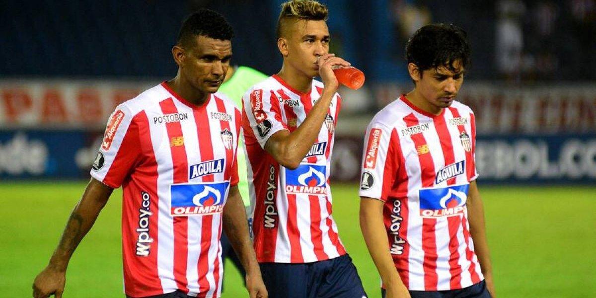 El Junior de Matías Fernández volvió a perder y quedó con un pie y medio fuera de la Copa Libertadores 2019