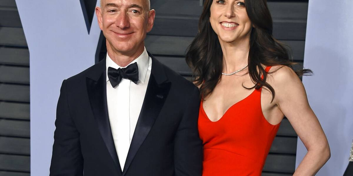 Fundador de Amazon pasa parte de su fortuna a su esposa tras divorcio