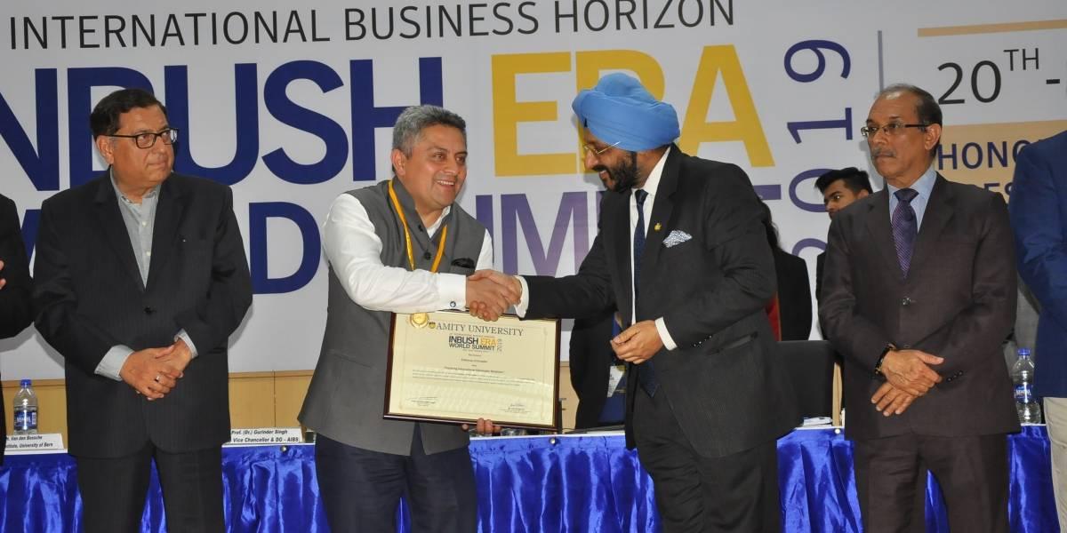 Embajador ecuatoriano recibe galardón en la India