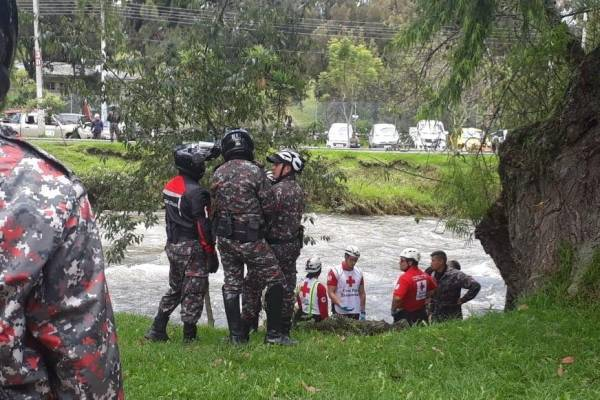 Cuenca: Recuperan cuerpo de un hombre en el río Tomebamba