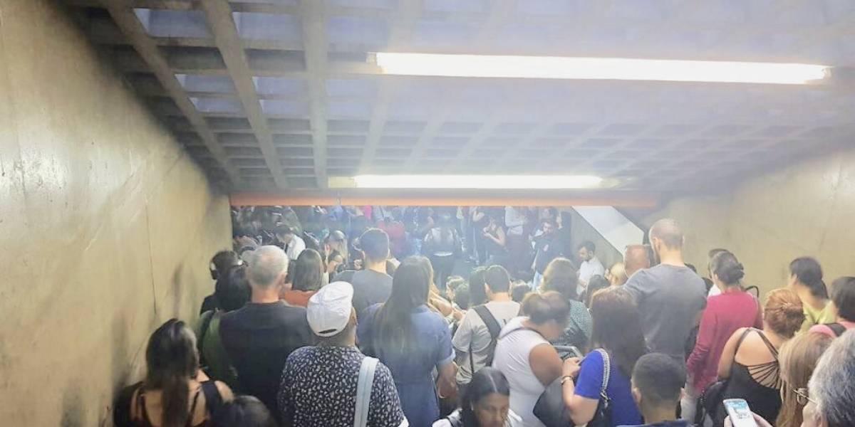 Linhas do metrô têm velocidade reduzida nesta quinta; usuários reclamam espera de 15 minutos