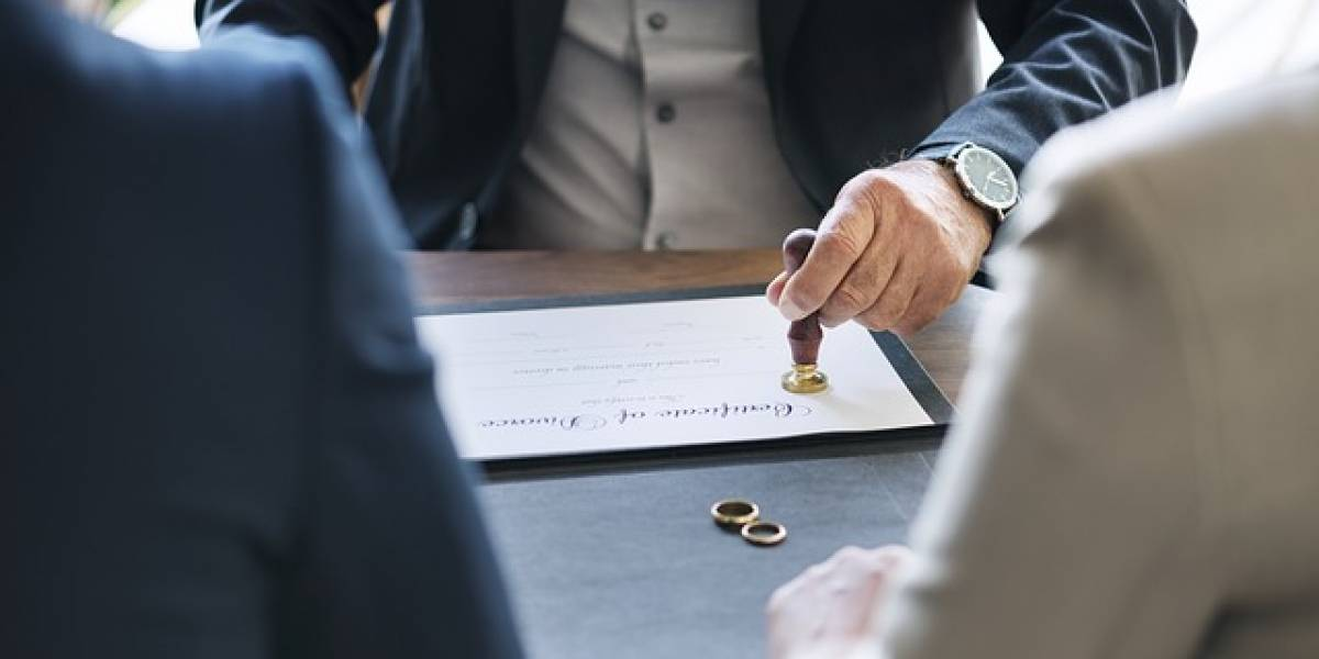 Dinamarca obliga a parejas a tomar curso para divorciarse