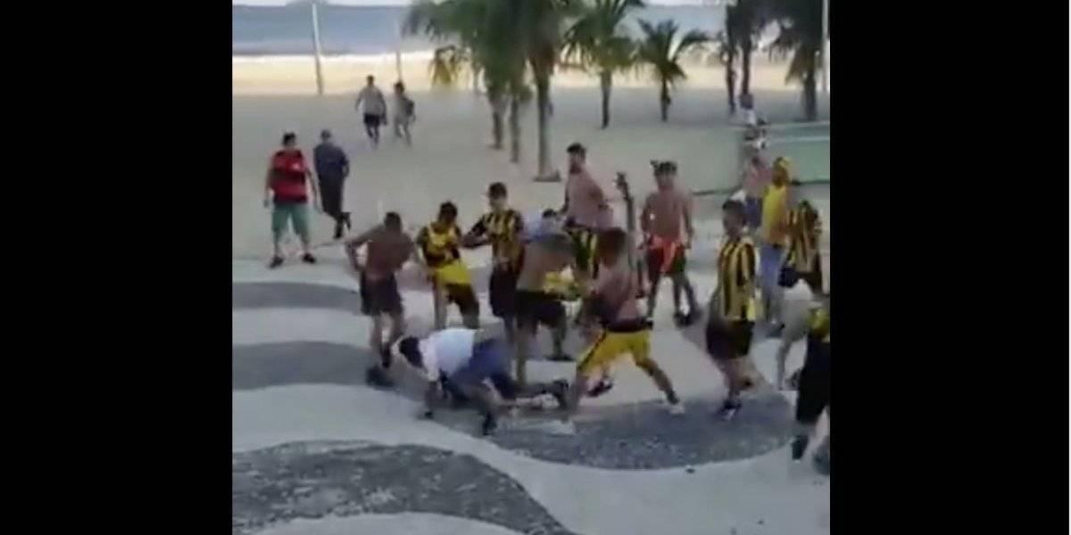 VIDEO. Sangriento enfrentamiento entre hinchas de Flamengo y Peñarol