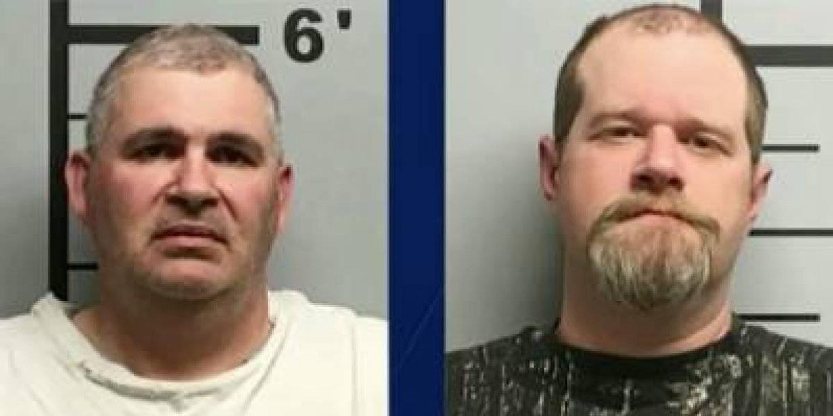 Arrestan a hombres por dispararse mientras usaban chalecos antibalas