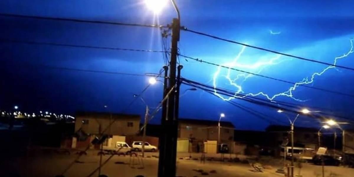 Suspenden clases en Región de Tarapacá tras fuertes lluvias y tormentas eléctricas