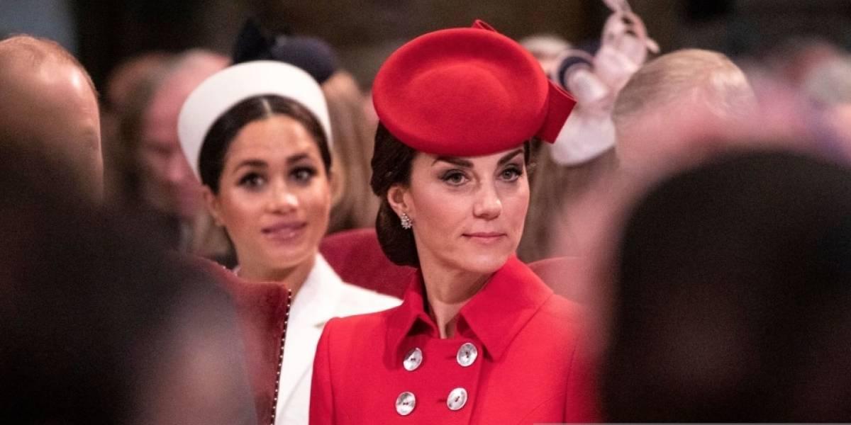 Lo que la reina Isabel II le permite a Kate Middleton y a Meghan Markle no