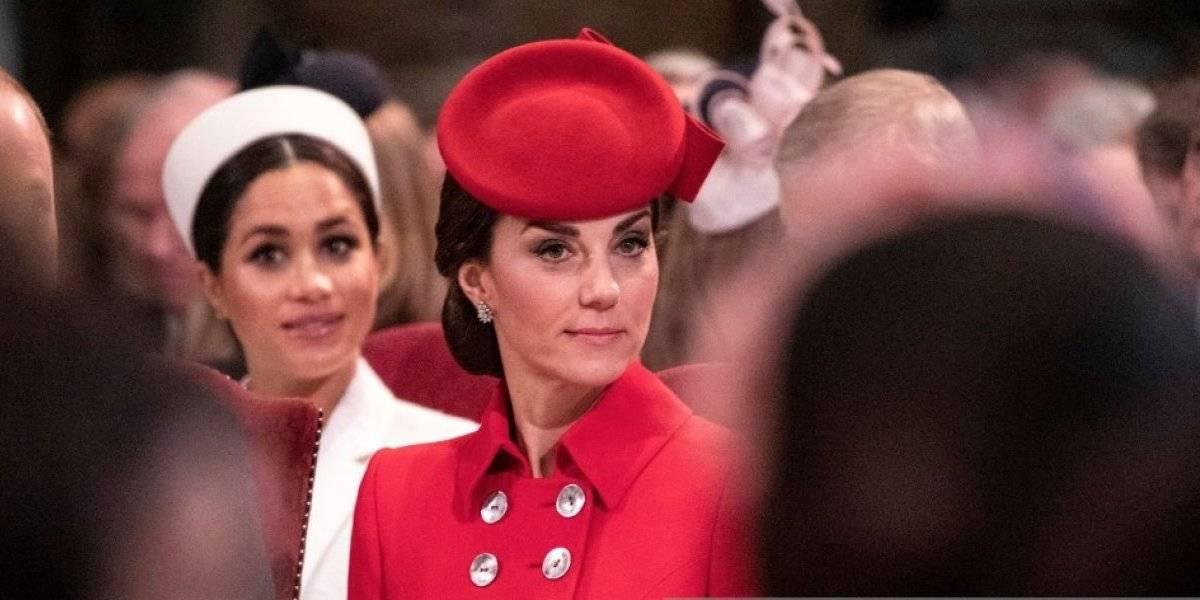Kate Middleton sorprende con fotos en la playa y es comparada con Jennifer Lopez