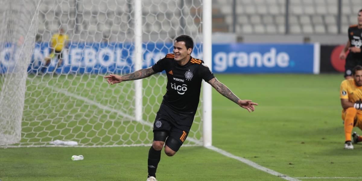 Olimpia goleó a Sporting Cristal y estrechó la lucha en el grupo de la U. de Concepción