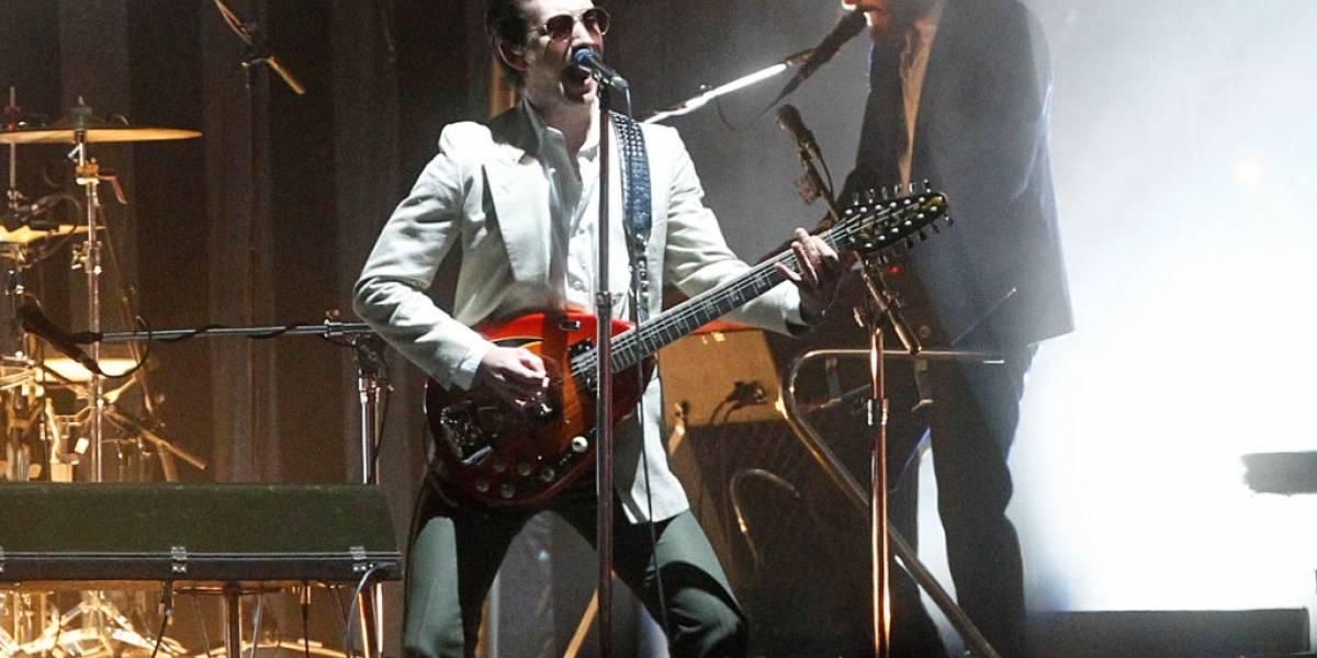 Um introspectivo Arctic Monkeys chega com altas expectativas ao Lollapalooza Brasil