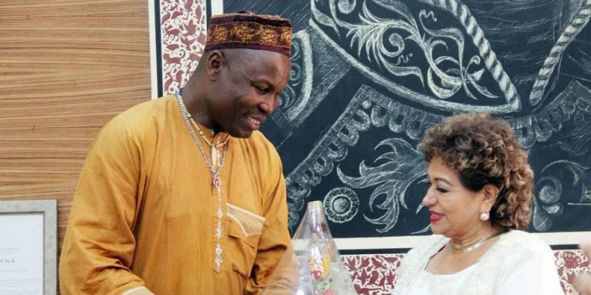 Príncipe de Camerún sufre accidente automovilístico en Acapulco