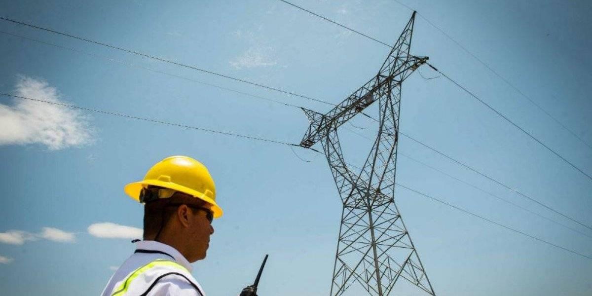Se restablece suministro eléctrico en la Península de Yucatán